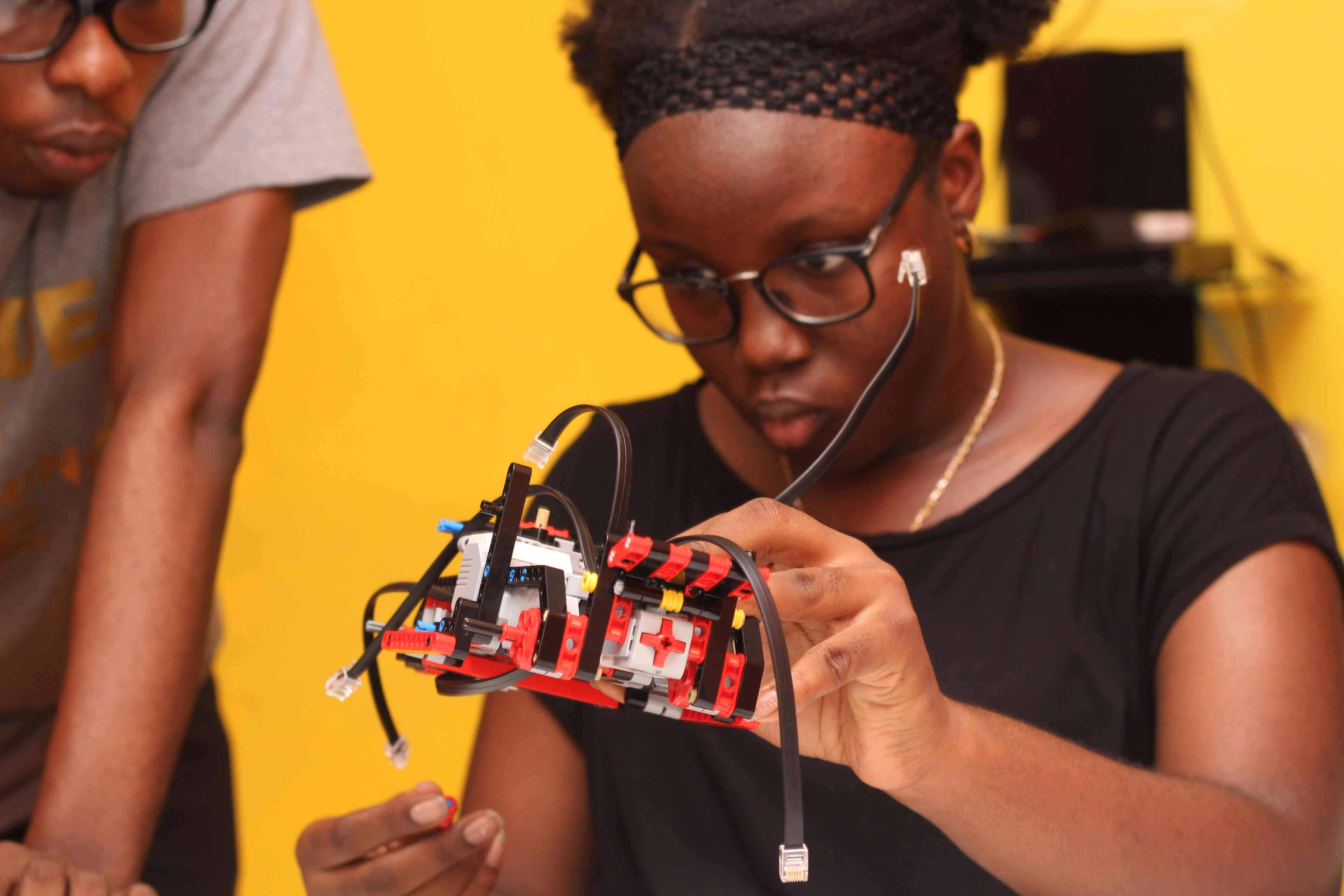 9jacodekids Academy coding programming robotics classes for kids children in Port Harcourt Abuja Lagos