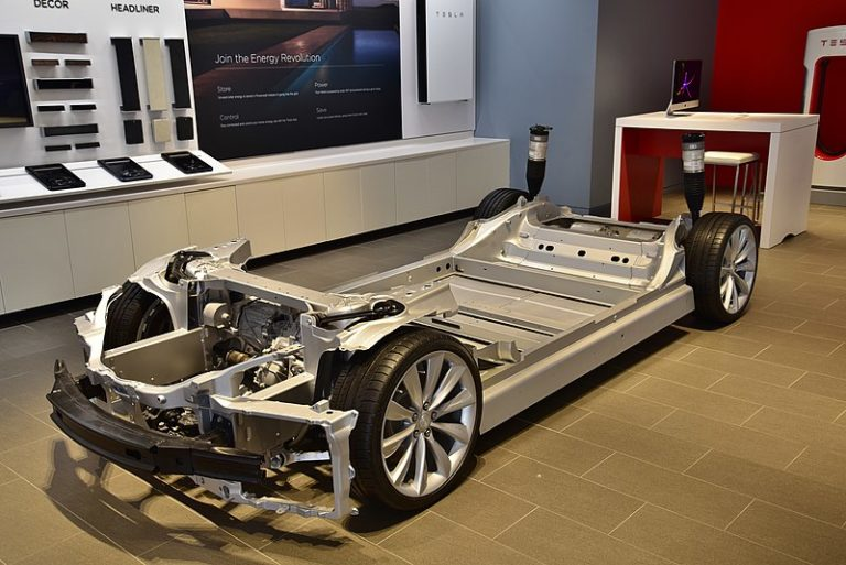 The Automechanics of the future are programmers and electrical engineers